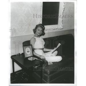 1959 Press Photo Jennifer Raine Actress - RRS49417