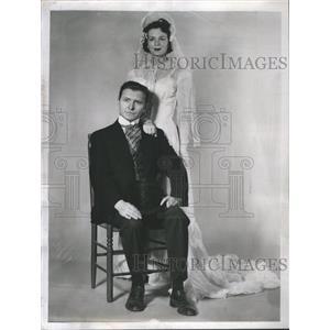 1954 Press Photo Burton Wright Actor - RRS50689