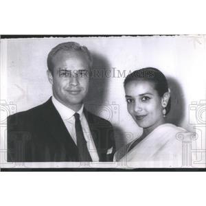 1958 Press Photo Marlon Brando & Wife Announce Divorce - RRS83813