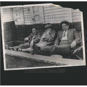 1957 Press Photo Tugboat Annie Film Actors Resting - RRS81453