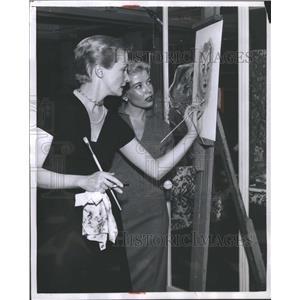 1955 Press Photo Nina Foch painting - RRS30785