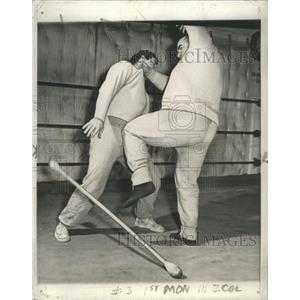 1942 Press Photo Block Bayohet Jiujitsu Philadelphia - RRS42195