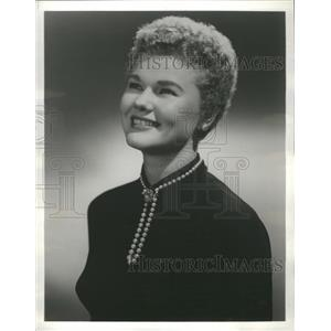 1958 Press Photo Actress Martha Wright - RRS32105