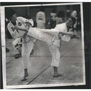 1975 Press Photo Alerga Tobin Mary Kocourek Kicks - RRS40829