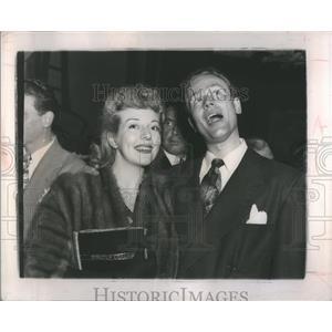 1946 Press Photo James Alexander & Pam Britton On Date - RRS85229