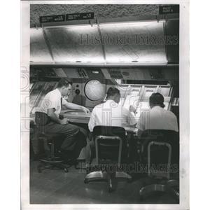1962 Press Photo Chicago Admiral Corp Radar Oakland CA - RRS30571