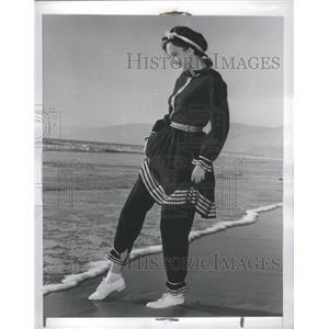 1941 Press Photo Kathie Browne Actress Sea Shore - RRS68359