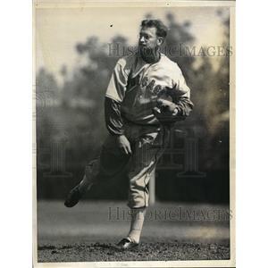 1936 Press Photo John Salveson, Pitcher, at Spring Training