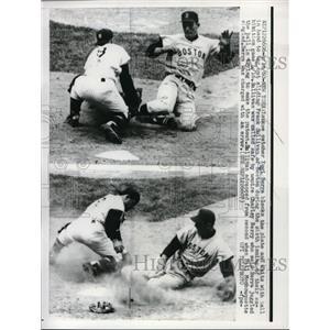 1960 Press Photo NY Yankee Catcher Yogi Berra Awaits Ball to Tag Frank Sullivan