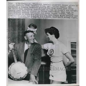 1950 Press Photo Irma Austin Presents Fencing Mask to Dallas Mgr. Charley Grimm