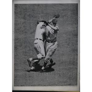 1947 Press Photo Chicago Cubs Phil Cavarretta & Bob Sturgeon Versus NY Giants