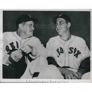 1950 Press Photo Boston Red Sox mgr Joe McCarthy & Clyde Vollmer - nes01666
