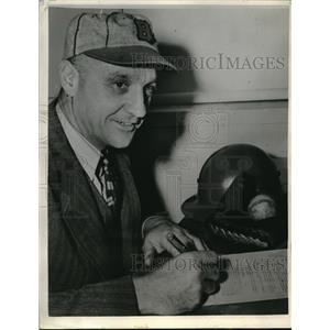 1943 Press Photo Coach George Kelly of the Boston Braves - nes00323