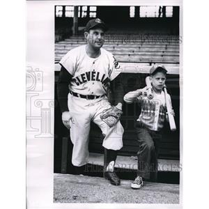 1956 Press Photo Gene Woodlings Cleveland Indians With Son At Stadium MLB Player