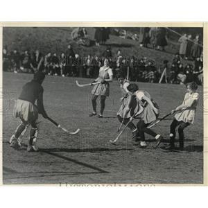 1934 Press Photo William & Mary Vs. Pennsylvania in Field Hockey Action