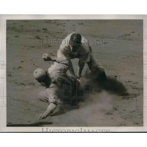 1939 Press Photo Buddy Hassett right fielder for the Bees, sliding safely into