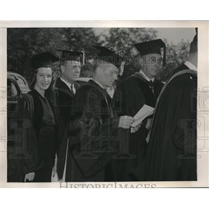1946 Press Photo Lily Pons Receives Honorary Degree at Adelphi College