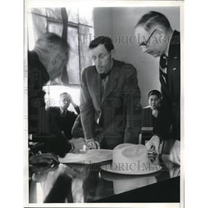 1937 Press Photo Major Schroeder, O. A. Rosto, Dept. of Commerce