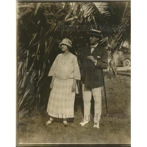 1923 Press Photo Mr Bruce Edwards and his wife enjoying the holiday in Miami Fl