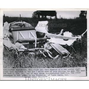 1953 Press Photo Port Washington, Wis, light plane wreckage after an explosion