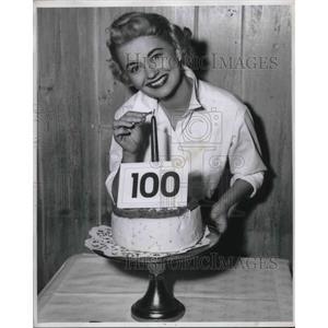 """1956 Press Photo Jo Sullivan, singer in """"The Most Happy Fella"""""""
