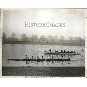 1929 Press Photo Cambridge crew on the Thames.  - nes11749
