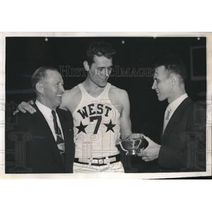 1951 Press Photo Mel Hutchings won the MVP award at the East West all star game