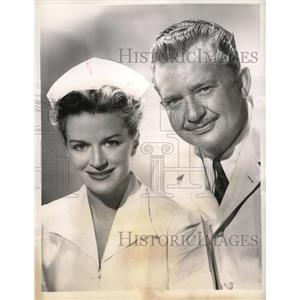 """1949 Press Photo Actress Rosemary De Camp & Jean Hersholt in """"Dr Christian"""""""