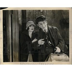 1927 Press Photo Scene From Welcome Stranger, Broadway Play