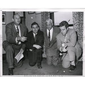 1951 Press Photo Chicago sportswriters Jerry Liska, Will Harridge, Ed Sansbury