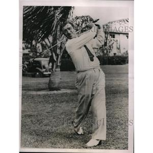 1936 Press Photo Tony Manero practices for Miami Open Golf Tournament