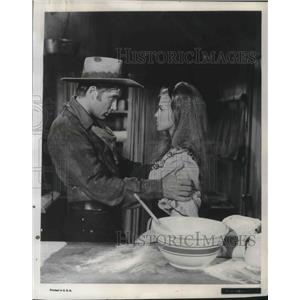 1966 Press Photo Alex Cord in Stagecoach - orp13187