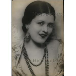1937 Press Photo Actress Lorrie La Marr in Cross My Heart