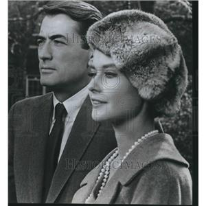 Press Photo Gregory Peck and Diane Baker star in Mirage - orp13611