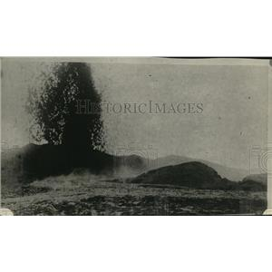 1922 Press Photo Kilanca  Erupting