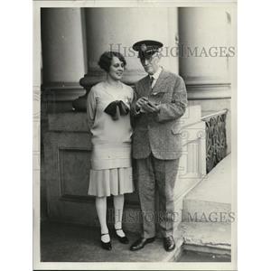 1928 Press Photo Capt BJ Cady head of Capital guides & Mrs FE Penn