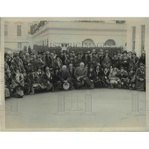 1926 Press Photo Glee club of Mt Holyoke College at White House Mrs Coolidge