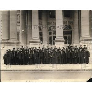 1924 Press Photo Graduating Class and faculty of the American Univ. Wash.D.C.