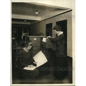 1919 Press Photo Insurance claims department