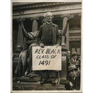 1932 Press Photo Rev. Elliot White speak during the Strike at Columbia Univ.