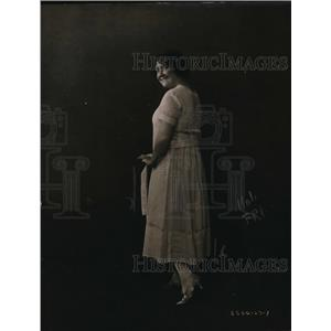 1920 Press Photo Dai Buell in her $1.35 gown made of Army mosquito net