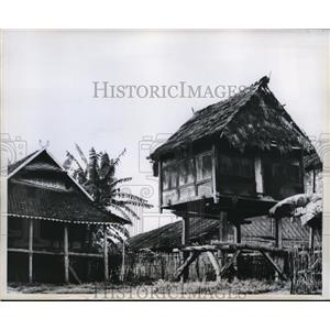 1959 Press Photo Indonesian home and a storage barn on stilts