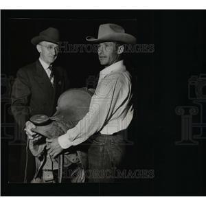 1950 Press Photo Rodeo Champ
