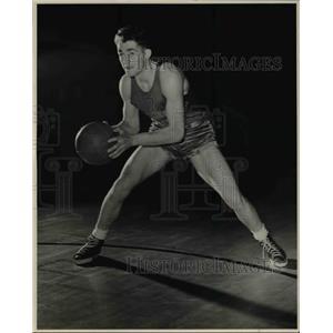 1941 Press Photo Owen Hunt guard for Washington State basketball