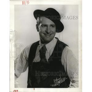 1952 Press Photo Human Pincher