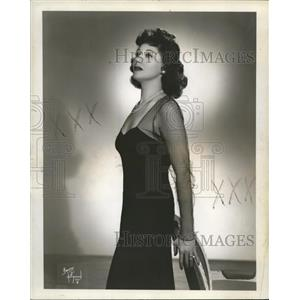 1948 Press Photo Ruth Altman in Between Covers