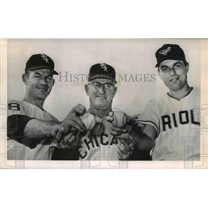 Press Photo Chicago White Sox Al Lopex & Eddie Fisher, Baltimore's Milt Pappas