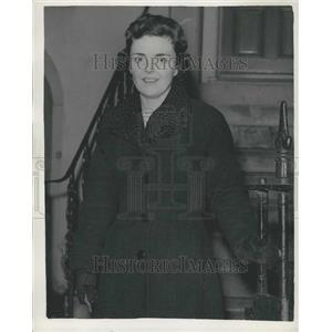 1957 Press Photo Lieutenant Commander Parker Arrives back in London