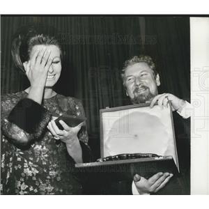 Press Photo Actress Sophia Loren Receiving Gold Star Award Peter Ustinov