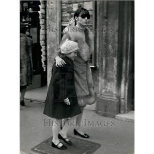1965 Press Photo Actress Elsa Martinelli & her daughter Cristina